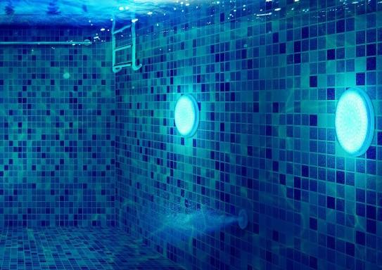 piscine lumière led sous eau