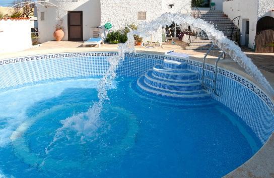 Remplissage de piscine étape finale